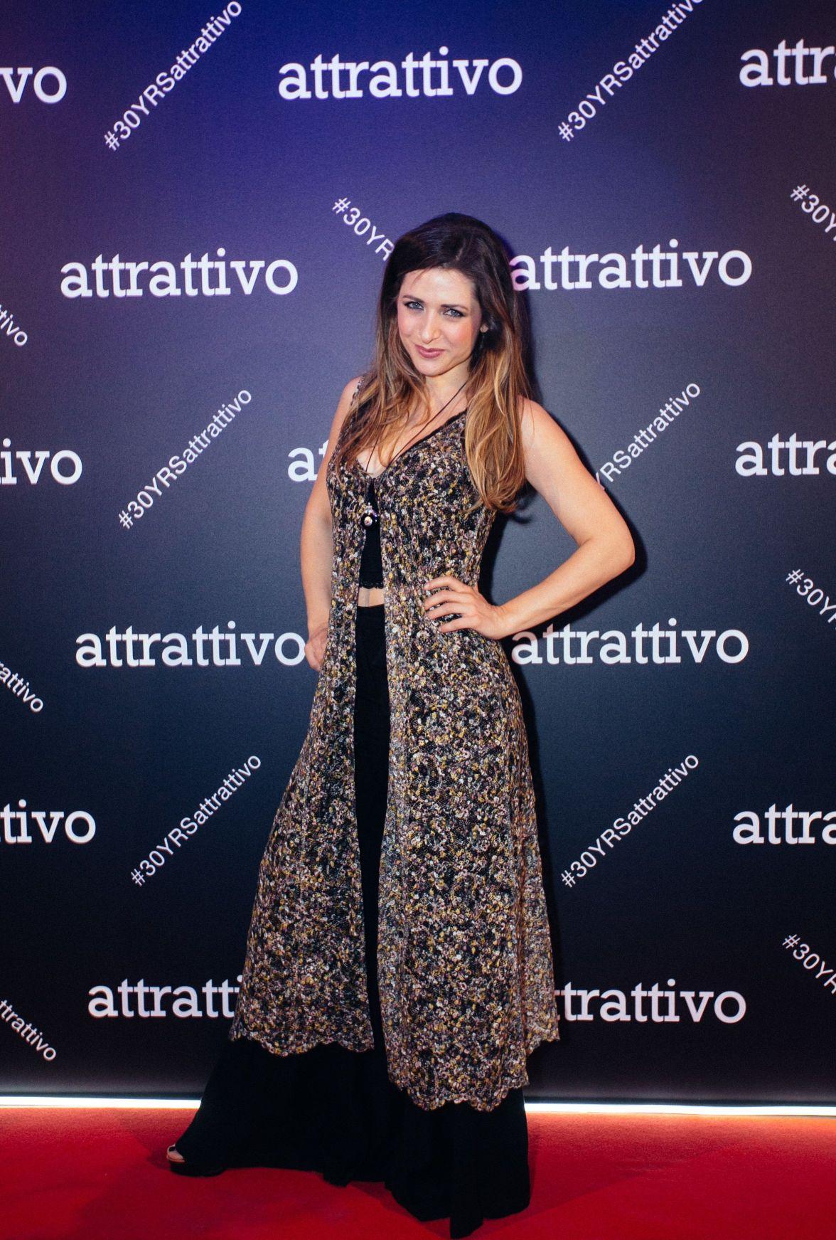 9054fafcafa5 Κατάλογοι Ρούχων   Τάσεις Μόδας - attrattivo - attrattivo party  The ...